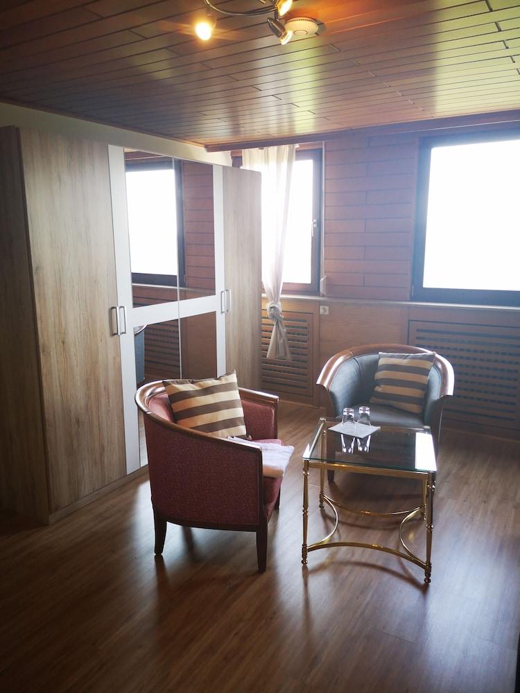 Schone Aussicht Trier Hotelbewertungen 2019 Expedia De