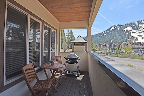Squaw Valley Retreat - 2 Br Condo