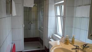 Dusche, Handtücher, Seife, Shampoo