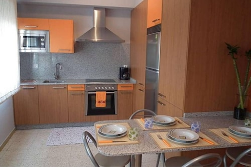 Apartment With 2 Bedrooms in El Grove, With Wifi - 500 m From the Beach