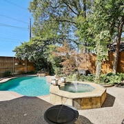 Upscale Centrally Located Getaway With Pool!