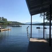 New Home - Lake Front Home With Private Dock on Lake Chatuge, Hiawassee GA