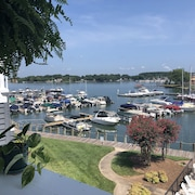 Lake Norman Waterfront 2 Bedroom, 2 Bathroom Condo - Centrally Located