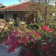 Spacious Detached Villa for 6 People on the Beach of Blue Bay Curacao