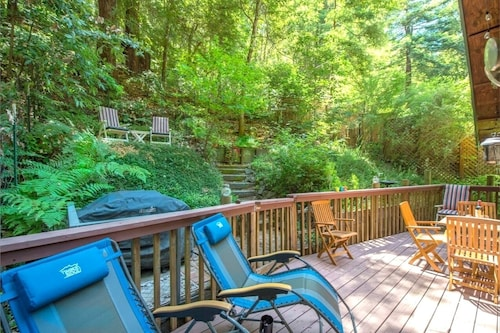 Reduced Rates JAN / Mar!! Absolute Zen Lovely Home in the Redwoods!