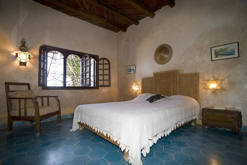 Charming Villa, Feet in the Water, Taghazout,