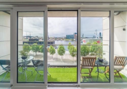 Summer Offer 20% OFF - 1 BED Private Bath - Excel London -stunning Waterfront