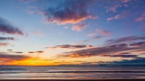 Plage à proximité, sable blanc, 4 bars de plage