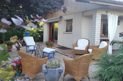 House With 3 Bedrooms in Reignier-esery, With Enclosed Garden and Wifi