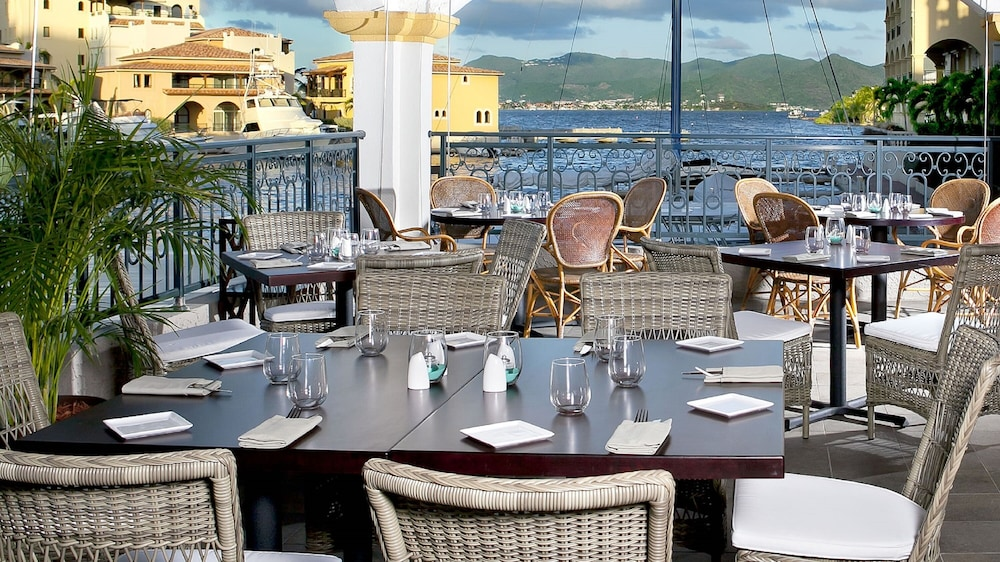 Outdoor Dining, The Hotel Porto Cupecoy