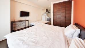 窗簾、熨斗/熨衫板、免費 Wi-Fi