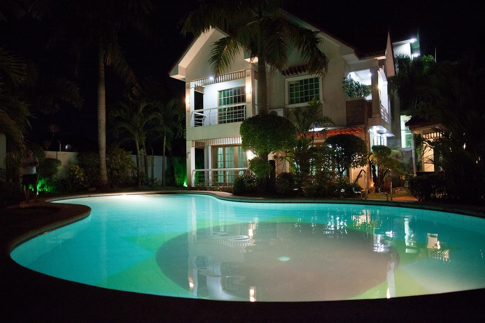 Pool, Sir Nico Guesthouse and Resort