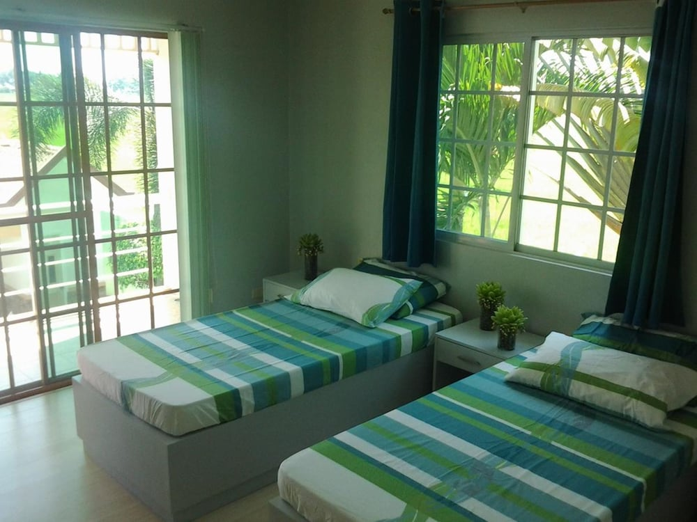 Room, Sir Nico Guesthouse and Resort