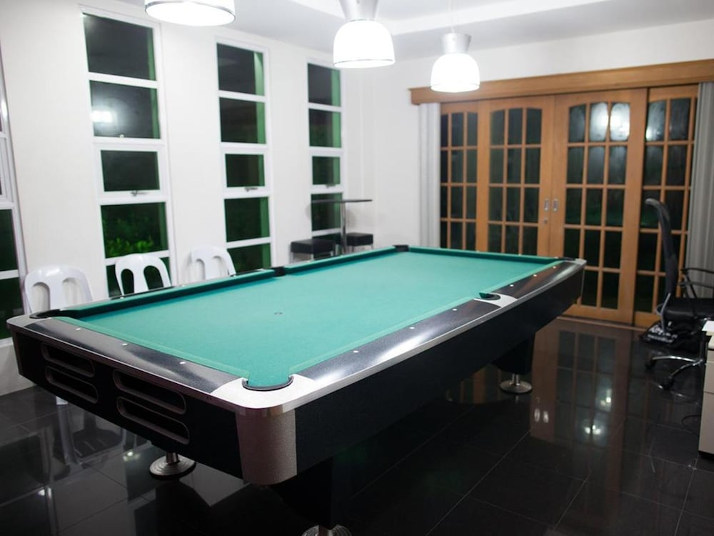 Billiards, Sir Nico Guesthouse and Resort