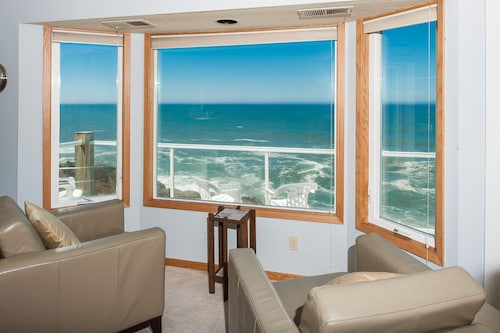 Spectacular Views in Depoe Bay From This Private Ocean Front Corner Condo!