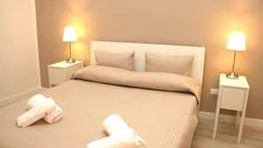In-room safe, free WiFi, linens