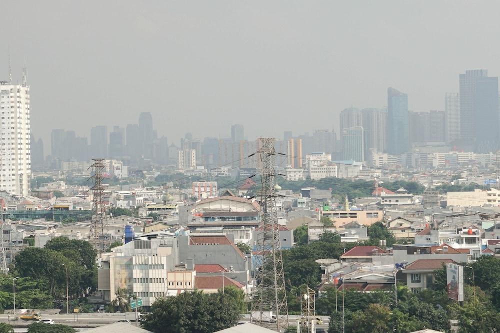 Spacious 2br Cbd Pluit Apartment Near Emporium Pluit Mall In Jakarta Hotel Rates Reviews On Orbitz