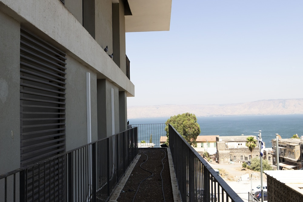 Lake View, Luxury 2BR Balcony & Sea view
