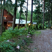 River Road Venue & Lodging
