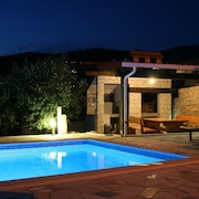 Villa Anabella Peaceful Holiday Home, in Klis, With Pool to Enjoy
