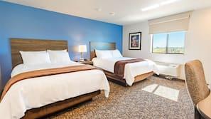 1 bedroom, pillowtop beds, desk, laptop workspace