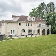 Luxury Treat Tuscany Style Villa Just few Miles From Downtown Boston