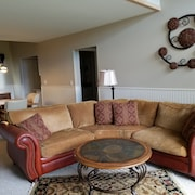September Visits Available! 2br/2ba Condo Near Resort in Traverse City!