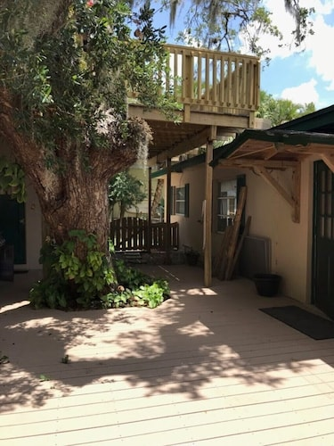 Peaceful FL Riverfront Bungalow With Boathouse Dock and Tiki Bar - Family Fun!