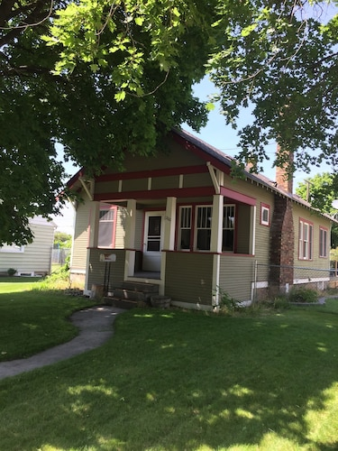 Three Bedroom Craftsman in the Heart of Missoula