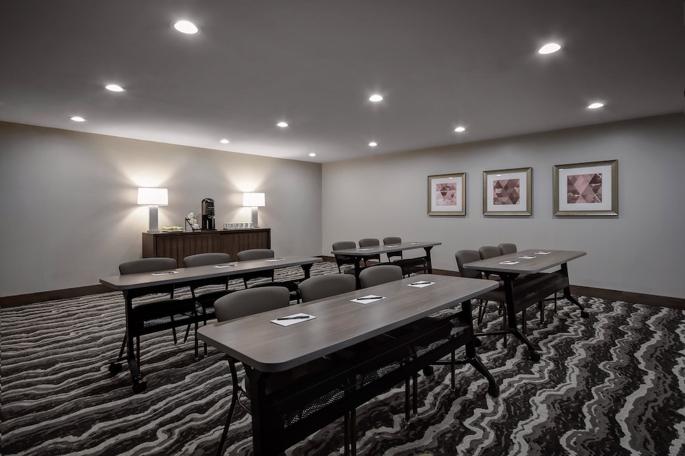 Meeting Facility, Staybridge Suites Holland, an IHG Hotel