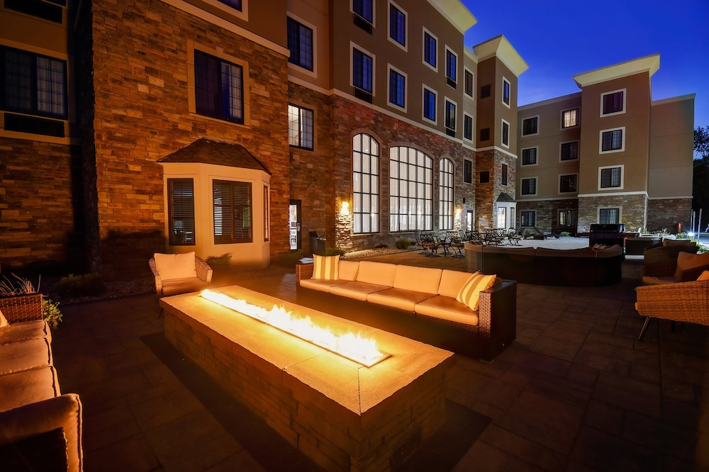 Property Grounds, Staybridge Suites Holland, an IHG Hotel