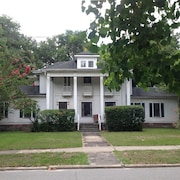 Large, Lovely, Renovated 1913 Home on Main Block of Deland's Historic District