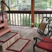 High end Hiawassee River Front Cabin in Murphy, NC
