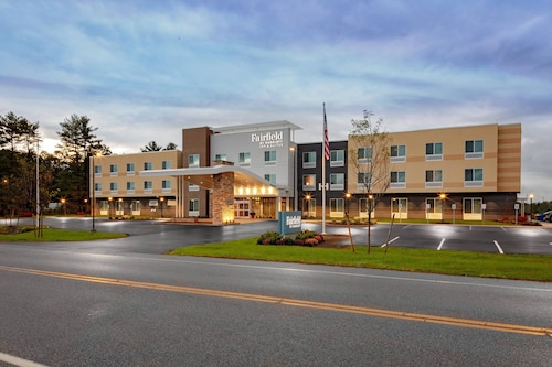 Fairfield Inn & Suites by Marriott Queensbury Glens Falls/Lake George Area