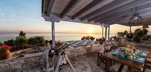 Very Attractive 3 Beds Villa in Paxos