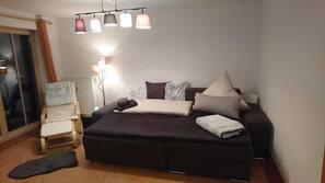 1 Schlafzimmer, Bügeleisen/Bügelbrett, Reisekinderbett, kostenloses WLAN