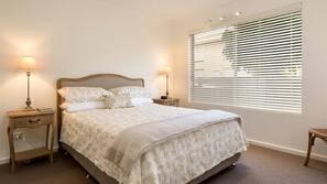 1 間臥室、高級寢具、設計每間自成一格、家具佈置各有特色