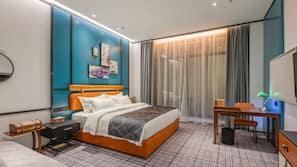 Tirai kedap cahaya, setrika/meja setrika, Wi-Fi gratis, dan seprai linen