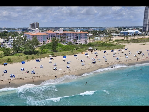 1bd Luxury Condo Palm Beach Shores Resort And Vacation Villas