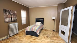 4 bedrooms, iron/ironing board, cribs/infant beds, WiFi