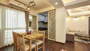 Fridge, microwave, stovetop, rice cooker