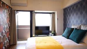設計自成一格、書桌、窗簾、免費 Wi-Fi