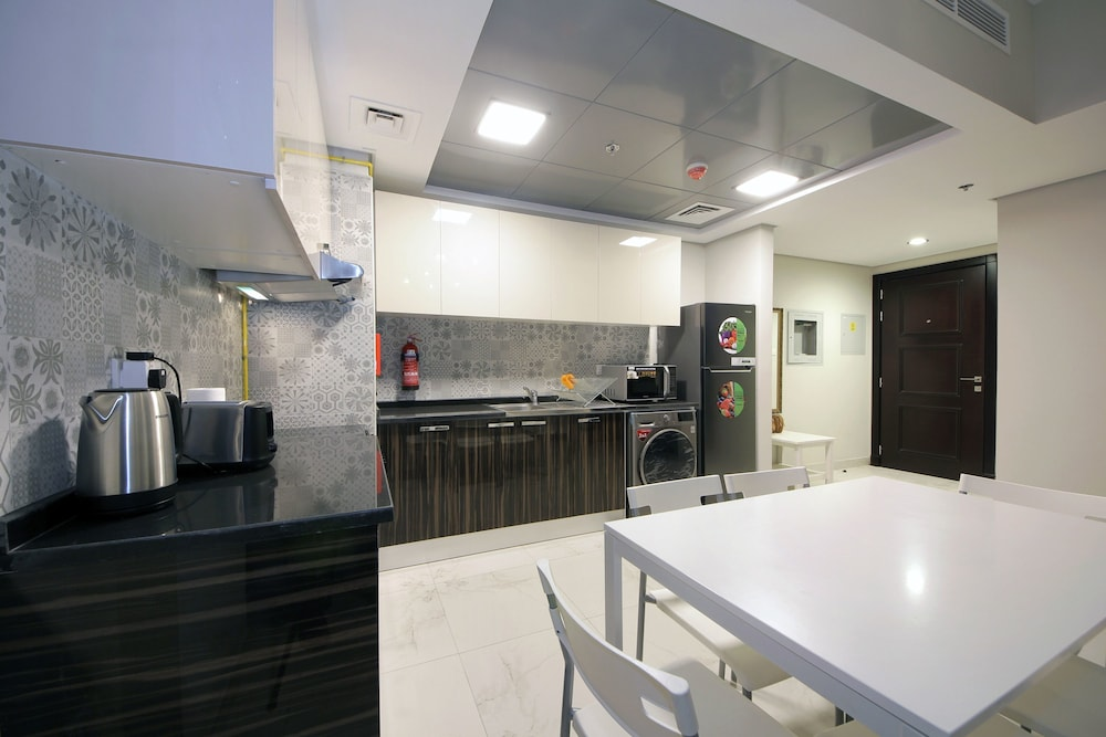 Private Kitchen, Signature Holiday Home-MAG 5 DUBAI SOUTH