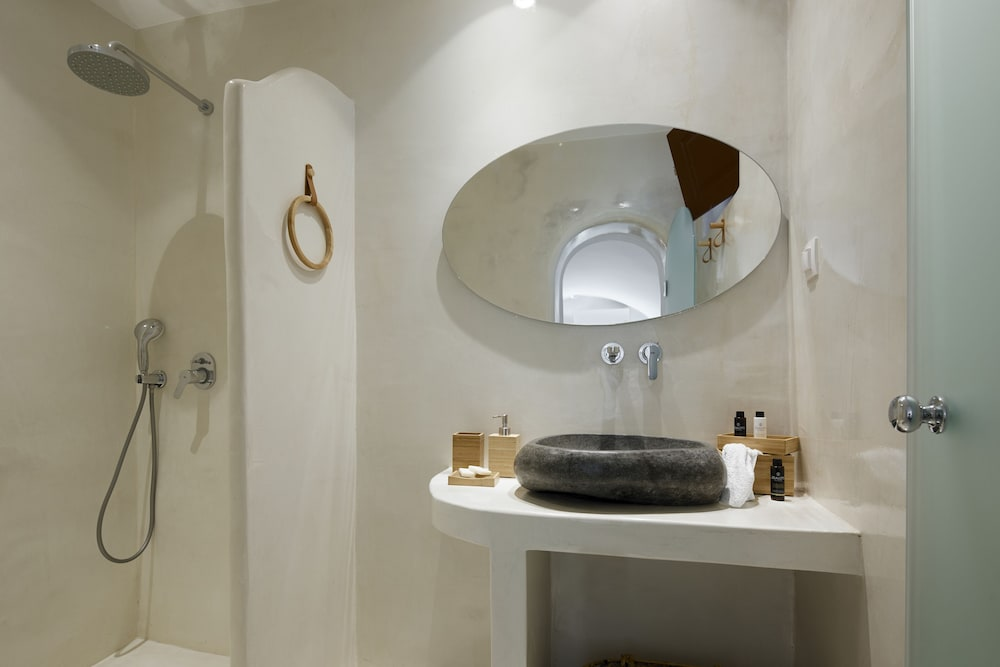 Bathroom Amenities, Nano Suites