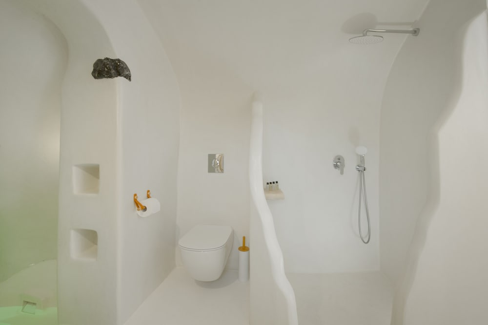 Bathroom Shower, Nano Suites