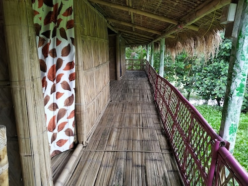 Jonki Panoi Bamboo Cottages