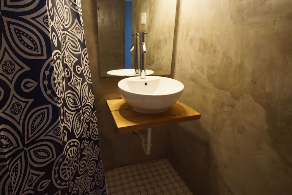 Bathroom, Casa Coral - Hostel