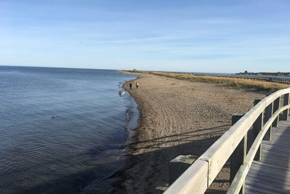 Beach, Apartment With 2 Bedrooms in Bouctouche, With Furnished Garden and Wifi - 42 km From the Beach