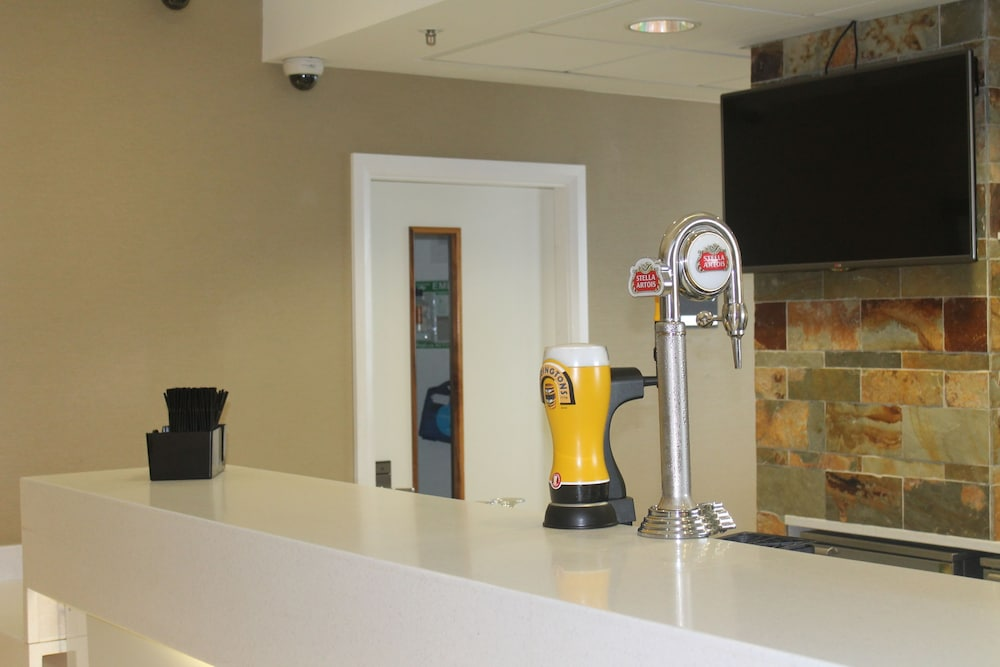 Bar, Hampton by Hilton Liverpool/John Lennon Airport