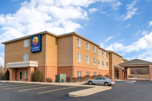 Comfort Inn & Suites Near Indiana Dunes State Park